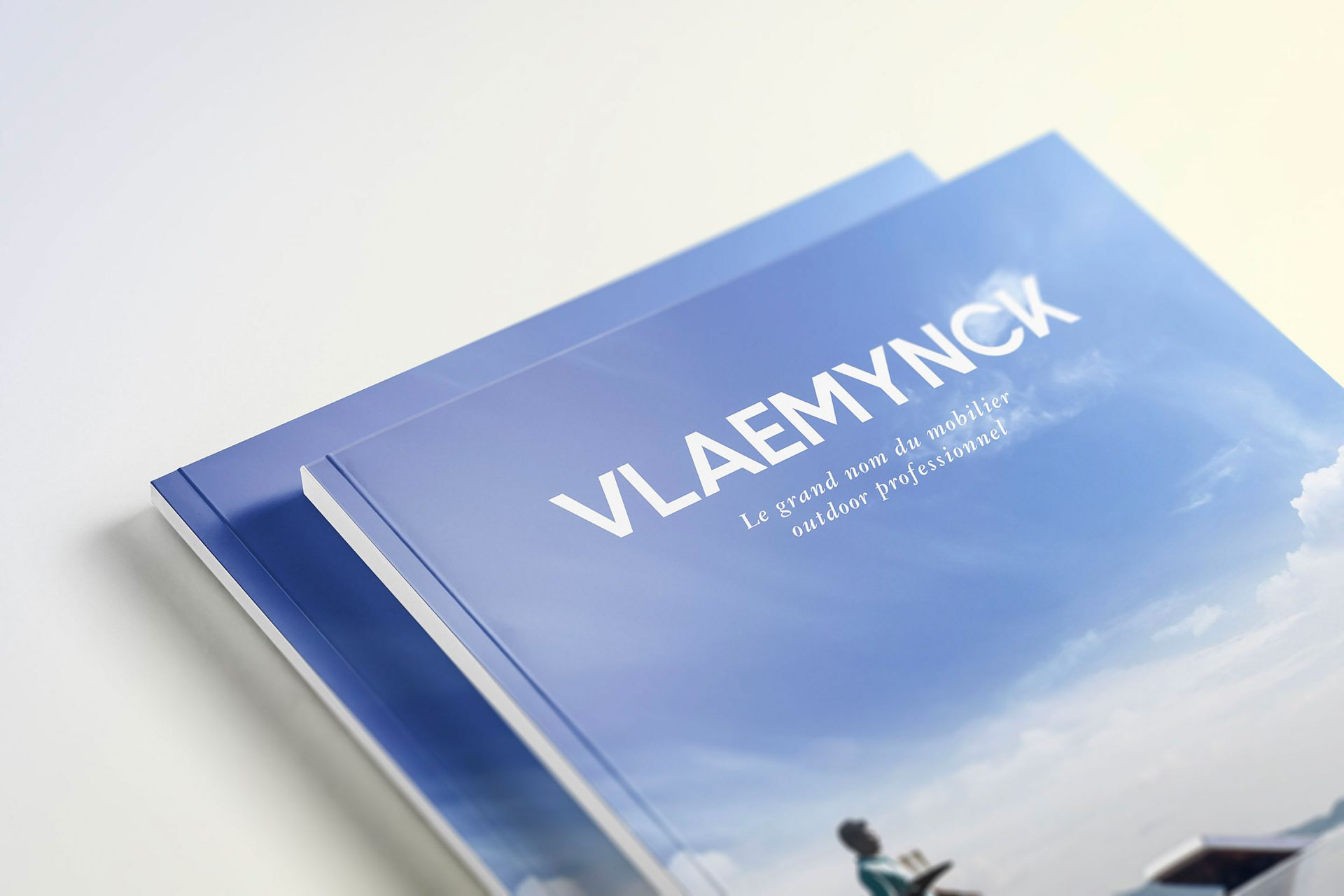 Édition / graphisme / shooting pour le magazine / catalogue contract professionnel de Vlaemynck